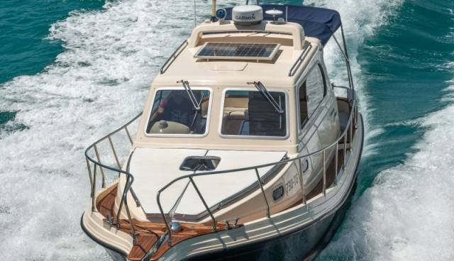 Damor-Fjera-980-motor-yacht-for-rent-in-Trogir-Split-6.jpg