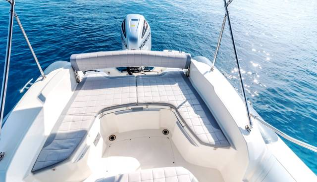 Marlin-790-Tamaris-Charter-Trogir.jpg