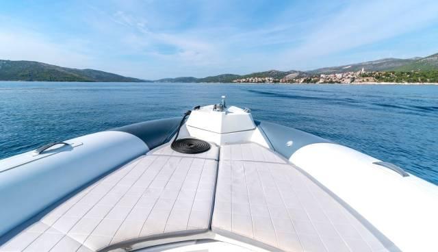 Marlin-790-boat-charter-Trogir.jpg