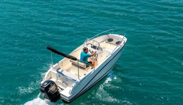 Quicksilver-505-Open-boat-rent-Split-Trogir-Tamaris-Charter-1.jpg