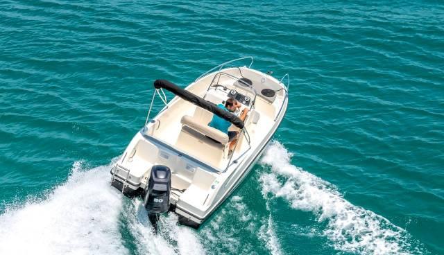 Quicksilver-505-Open-boat-rent-Split-Trogir-Tamaris-Charter-3.jpg