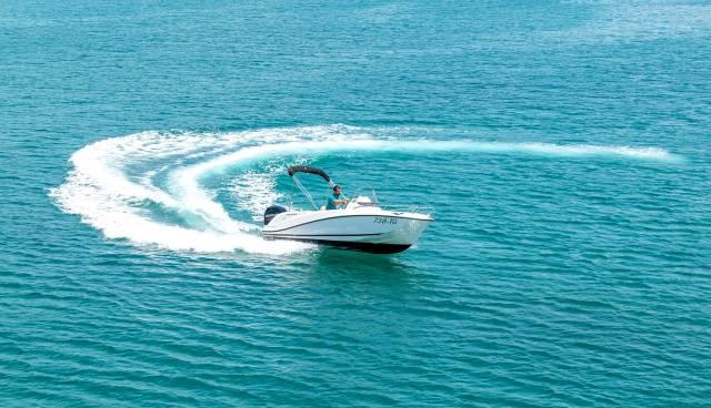 Quicksilver-505-Open-boat-rent-Split-Trogir-Tamaris-Charter-4.jpg