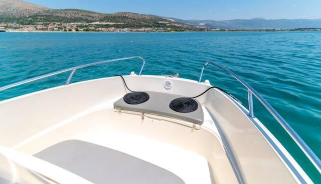 Quicksilver-505-Open-boat-rent-Split-Trogir-Tamaris-Charter-6.jpg