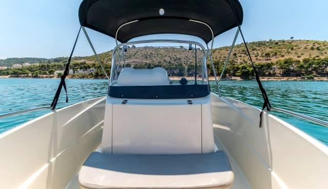 Quicksilver-505-Open-boat-rent-Split-Trogir-Tamaris-Charter-7.jpg