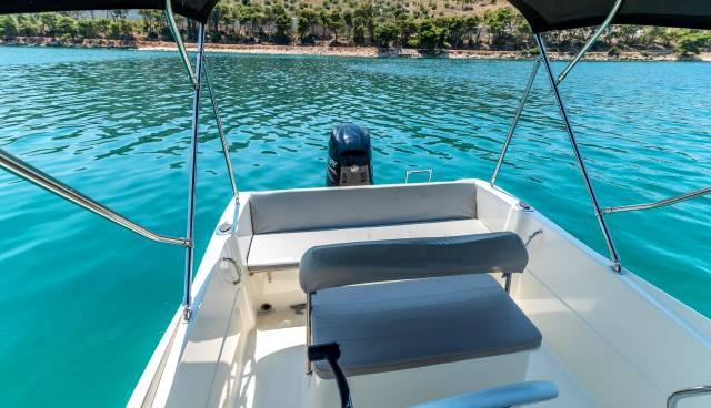 Quicksilver-505-Open-boat-rent-Split-Trogir-Tamaris-Charter-8.jpg