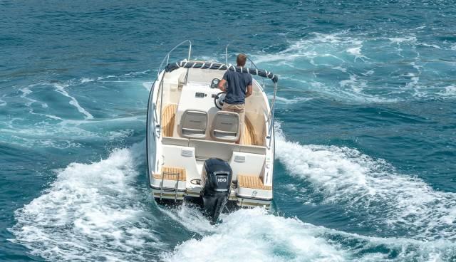Quicksilver-555-boat-for-rent-in-Split-Trogir-Tamaris-Charter-16.jpg