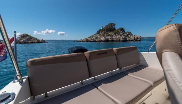 Quicksilver-605-Activ-Open-boat-rent-Split-Trogir-Tamaris-Charter3.jpg