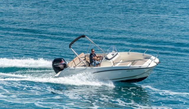 Quicksilver-605-Activ-Open-boat-rent-Split-Trogir-Tamaris-Charter5.jpg