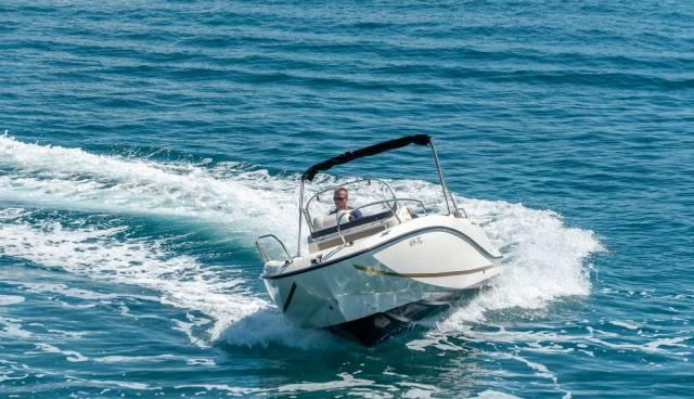 Quicksilver-605-Activ-Open-boat-rent-Split-Trogir-Tamaris-Charter6.jpg