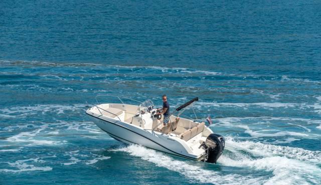 Quicksilver-605-Activ-Open-boat-rent-Split-Trogir-Tamaris-Charter7.jpg