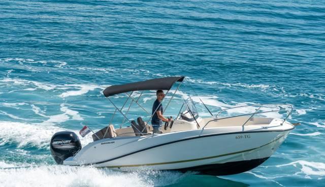 Quicksilver-605-Activ-Open-boat-rent-Split-Trogir-Tamaris-Charter9.jpg