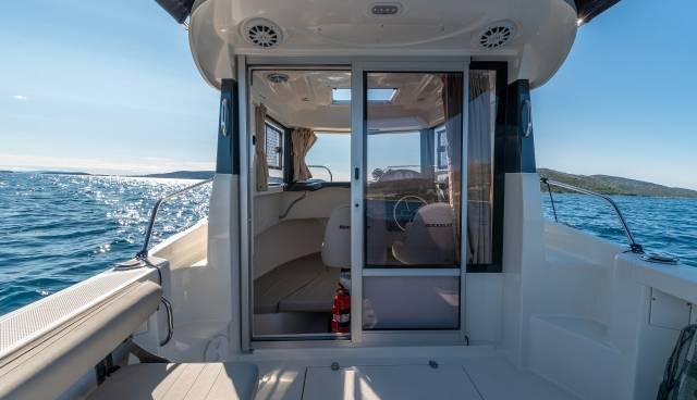 Quicksilver-605-Pilothouse-boat-rent-Split-Trogir-Tamaris-Charter-4.jpg