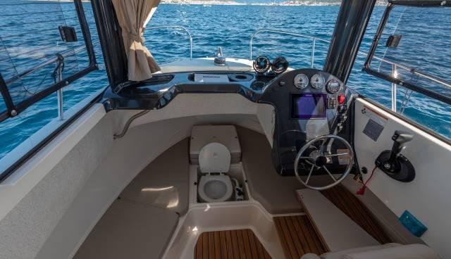 Quicksilver-605-Pilothouse-boat-rent-Split-Trogir-Tamaris-Charter-7.jpg