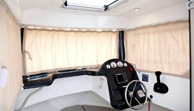 Quicksilver-605-Pilothouse-boat-rent-in-Split-Trogir-Tamaris-Charter-6.jpg