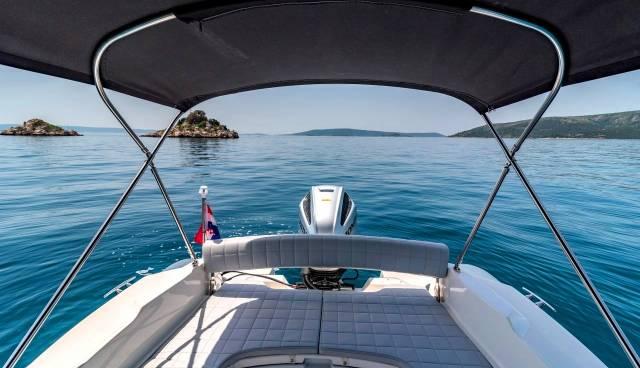 Rent-a-boat-in-Trogir-Marlin-790-Tamaris-Charter-12.jpg