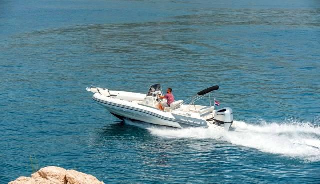 Rent-a-boat-in-Trogir-Marlin-790-Tamaris-Charter-2.jpg