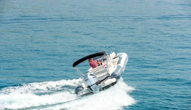 Rent-a-boat-in-Trogir-Marlin-790-Tamaris-Charter-5.jpg