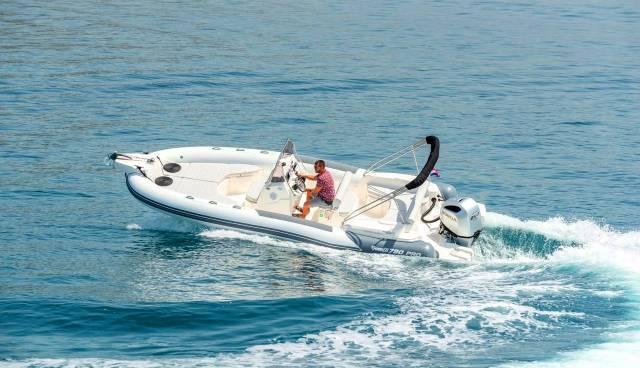 Rent-a-boat-in-Trogir-Marlin-790-Tamaris-Charter-6.jpg