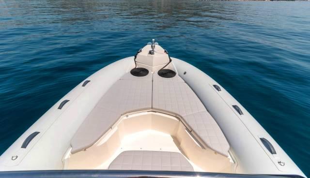Rent-a-boat-in-Trogir-Marlin-790-Tamaris-Charter-9.jpg