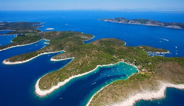 Sunny-Hvar-Paklinski-Islands-19_1280x632.jpg