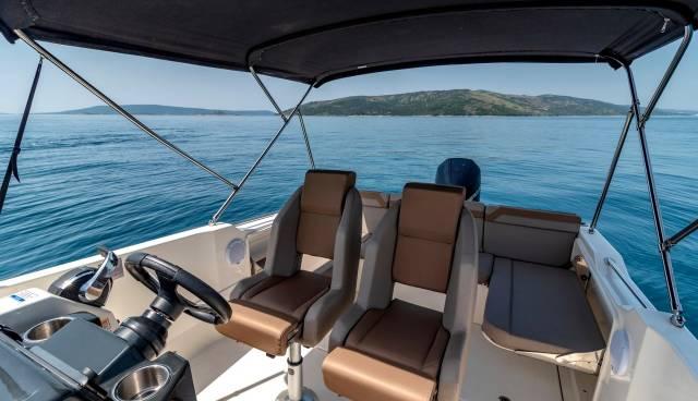 Boat-rent-Split-Trogir-Quicksilver-755-Tamaris-Charter-9.jpg